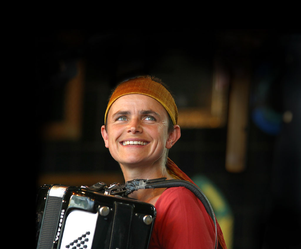 Catherine Roy, accordion